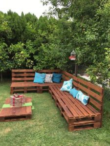 pallet-furniture-225x300